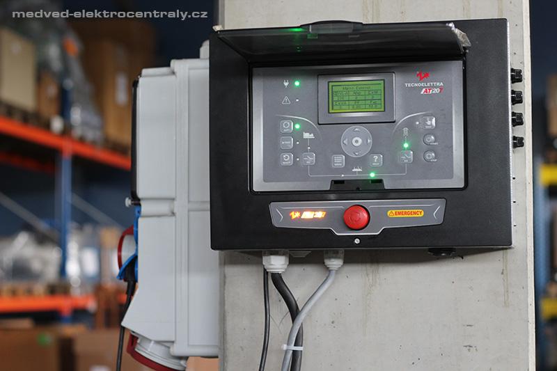 Automatická jednotka MEDVED PDM207 pro ostrovní systémy a solární elektrárny